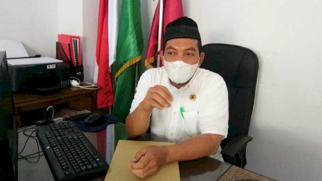 Wakil Rektor I UMSi Asriadi AR.