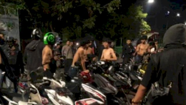 Polisi menggelar razia balap liar dan mengamankan sejumlah sepeda motor. (int)