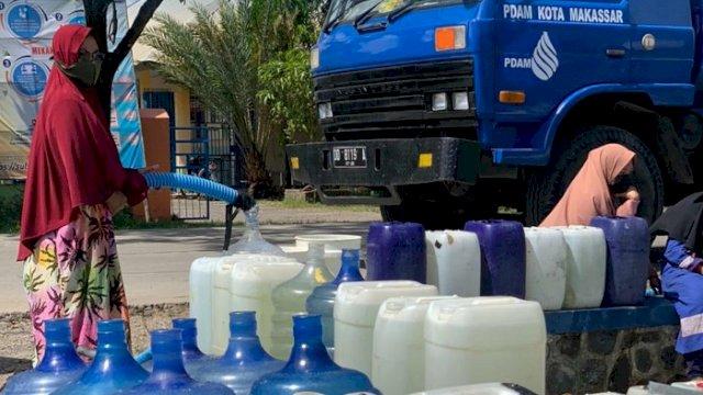 7 Armada PDAM Makassar Distribusi Air Bersih ke Untia