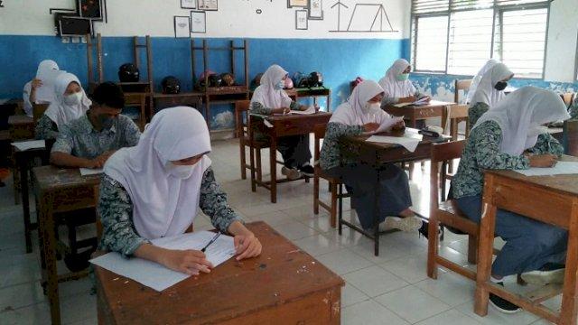 Gelar Uji Coba PTM, Siswa SMAN 5 Sinjai Ikuti Ujian Akhir di Sekolah