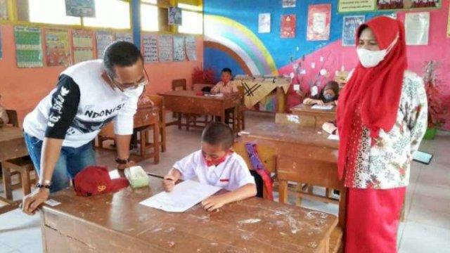 Kadisdik Sinjai Pantau Hari Kelima Ujian Sekolah Tatap Muka