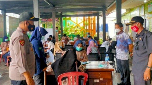 Warga Pulau Sembilan Ikut Vaksinasi Massal, Camat: Jangan Takut