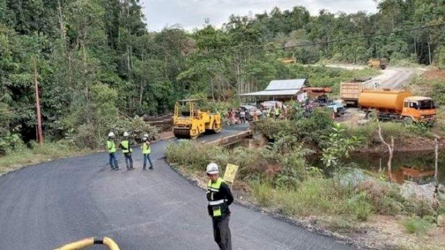 Pembangunan Ruas Jalan Penghubung Lutim-Sulteng Dilanjutkan