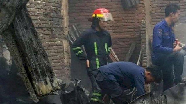 Sebanyak tujuh rumah dilalap api saat musibah kebakaran terjadi di Jalan Rappocini Raya, Lorong 2, Kecamatan Rappocini, hangus terbakar, Sabtu (31/7/2021). (int)