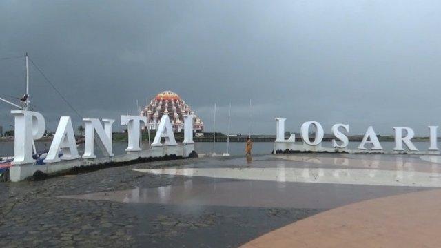 Danny Akan Revitalisasi Pantai Losari