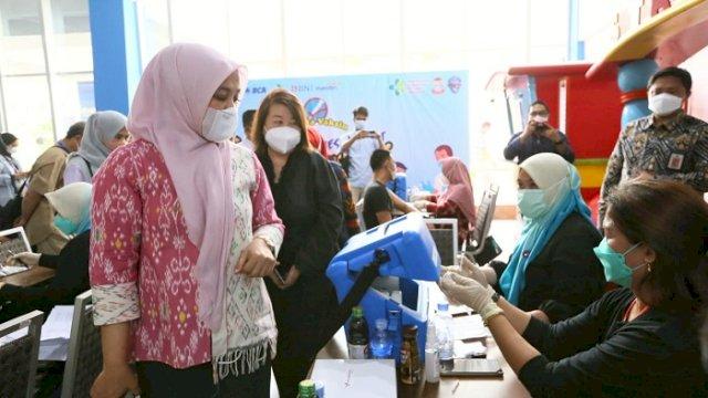 Tinjau Wisata Vaksin Gratis PHRI, Fatmawati Rusdi: Prokes Jangan Kendor!