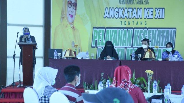 Anggota DPRD Makassar, Apiaty Amin Syam sosialisasikan Perda Pelayanan Kesehatan, di Hotel Aston, Senin (30/8/2021).