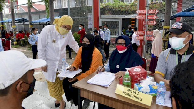 Hari Kedua Vaksinasi di Rutan Makassar, Aliyah Kunjungi Warga Binaan yang Baru Melahirkan
