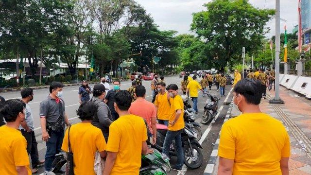 Kader Gelar Demo, Menolak Musda Golkar Tana Toraja Digelar di Makassar