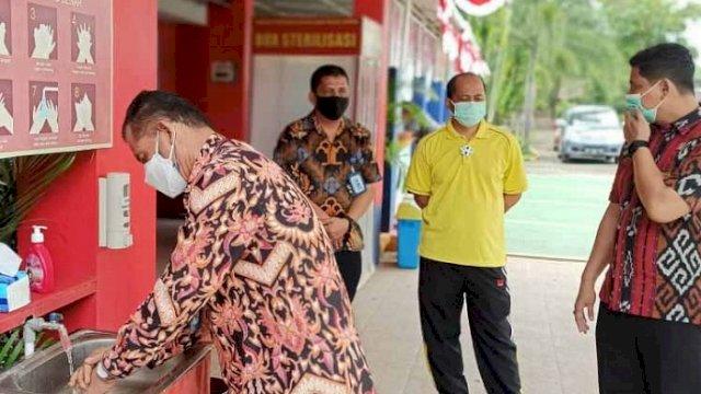 Kakanwil Kemenkumham Sulsel Kunjungi Lapas, Tinjau Penerapan Protokol Kesehatan
