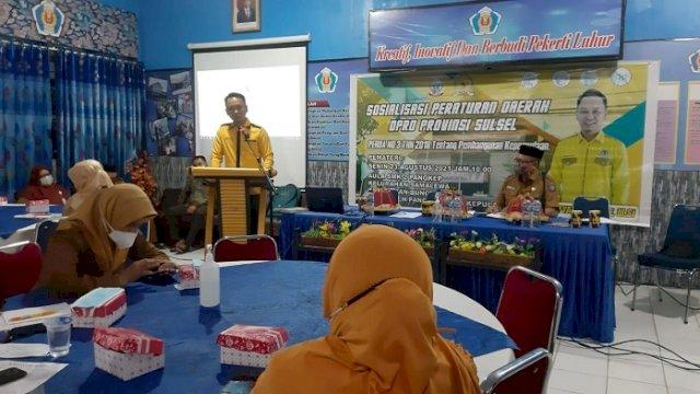 Wakil Ketua Komisi E DPRD Sulsel Sofyan Syam saat menggelar sosperda di aula SMKN 2 Pangkep pada hari ini, Senin (23/8/2021).