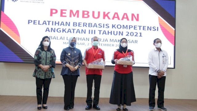 Diikuti 1.152 Orang, Fatmawati Rusdi Apresiasi BLK Makassar Gelar Pelatihan Berbasis Kompetensi