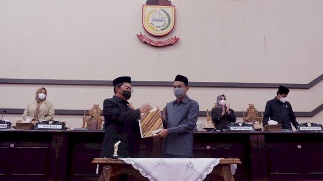 Walikota dan DPRD Makassar Tandatangani Nota Kesepakatan Rancangan KUA-PPAS Perubahan 2021