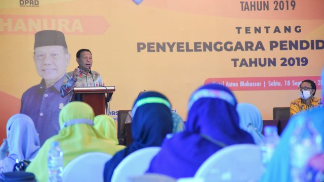 Anggota DPRD Makassar, HM Yunus Hj sosialisasikan Perda Penyelenggaraan Pendidikan, di Hotel Aston, Sabtu (18/9/2021).