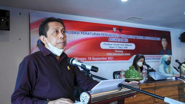 Anggota DPRD Makassar, Mesakh Raymond Rantepadang sosialisasikan Perda Perlindungan Anak, di Hotel D'Maleo, Minggu (19/9/2021).