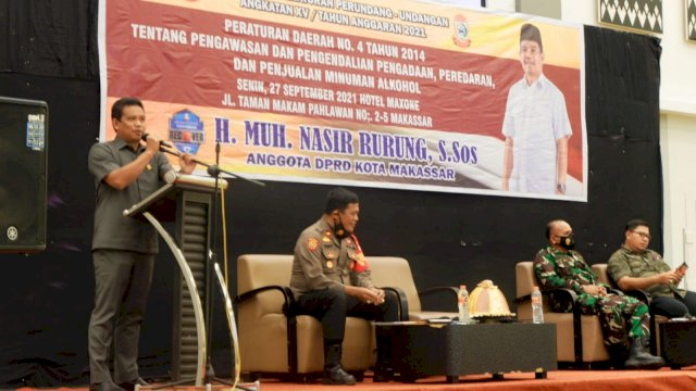 Anggota DPRD Makassar, Nasir Rurung sosialisasikak Perda Peredaran Minuman Beralkohol (Minol), di Hotel Maxone, Senin (27/9/2021).