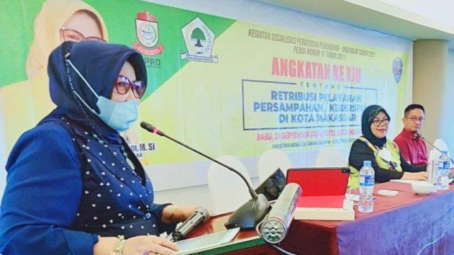 Anggota DPRD Makassar, Apiaty Amin Syam sosialisasikan Perda Retribusi Pelayanan Persampahan Kebersihan, di Hotel Aston Makassar, Rabu (29/9/2021).