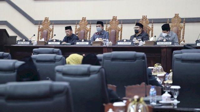 DPRD Makassar Bahas Ranperda Perlindungan Guru, Ini Tanggapan Fraksi-fraksi