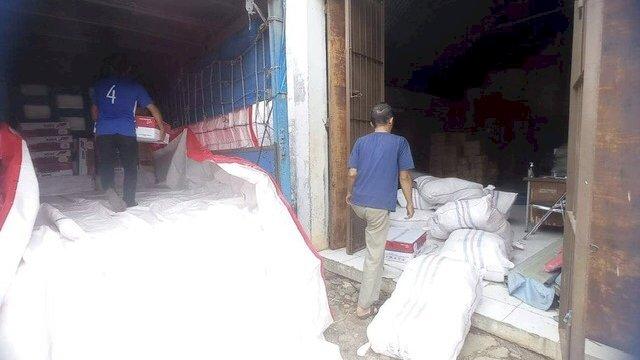 BPBD Sulsel Salurkan Bantuan Logistik ke Korban Banjir di Luwu