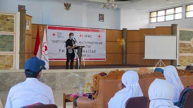 Ketua PMI Makassar Berikan Edukasi Waspada Bencana Sejak Dini ke Siswa SLB Negeri 1