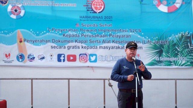 Raih Predikat Terbaik dari Syahbandar Makassar, Sejumlah Perusahaan Pelayaran Dapat Hadiah
