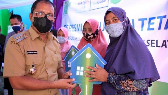 Diserahkan Walikota, Korban Kebakaran di Tallo Dapat Rumah Tetap