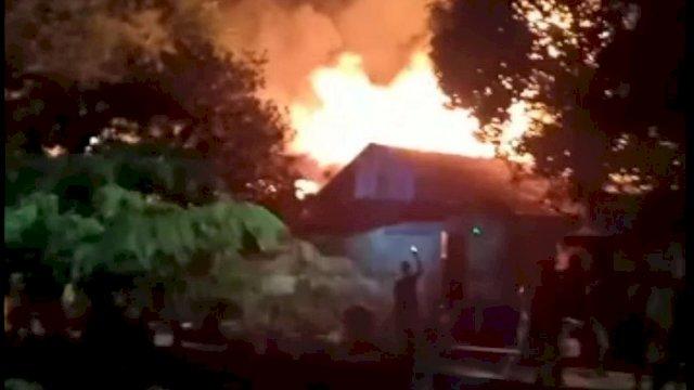 11 Rumah Terbakar di Veteran Utara Makassar