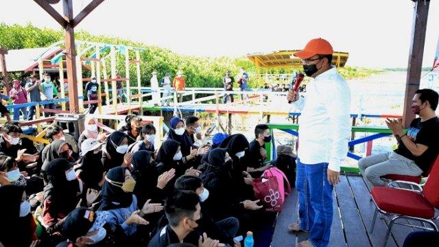 Simulasi Outing Class Pelajar SMP, Danny Beri Materi di Kawasan Mangrove Lantebung
