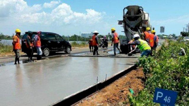 Sempat Dikeluhkan Warga, Jalan Tanjung Bunga Mulai Diperbaiki