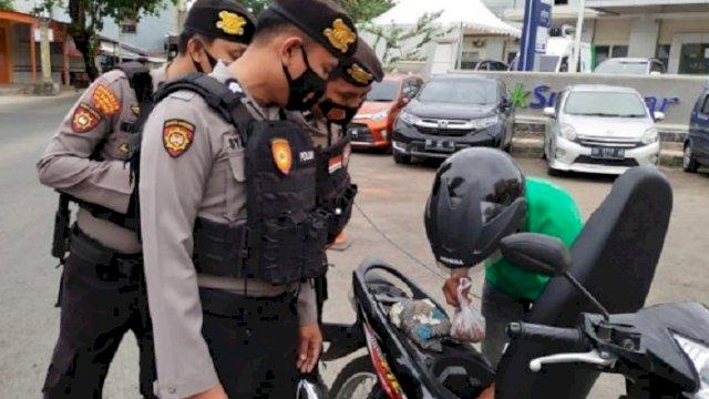 Samapta Polres Gowa Gelar Operasi Yustisi, Sasar Pelanggar Protokol Kesehatan