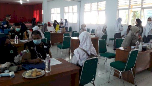 SMKN 1 Gowa Gelar Vaksinasi, Siapkan 500 Dosis untuk Pelajar dan Masyarakat