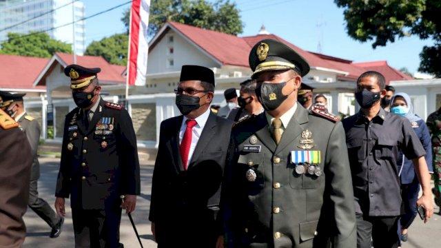 Walikota Sebut TNI Garda Terdepan Melawan Covid 19
